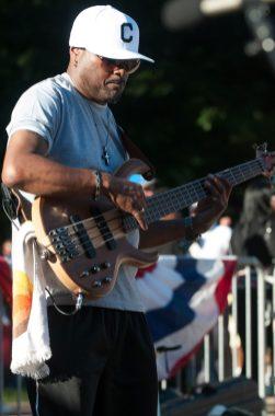 ChollyO_Bass_Live(3)
