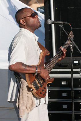 ChollyO_Bass_Live(7)