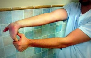 Estiramiento flexores OSTEON Alaquàs Centro de Fisioterapia