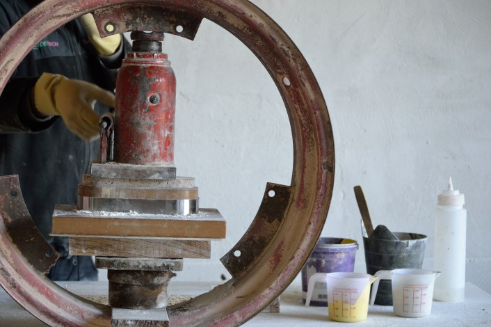 Hydraulic bottle jack / Prensa hidráulica