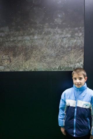 En la exposición con la foto premiada