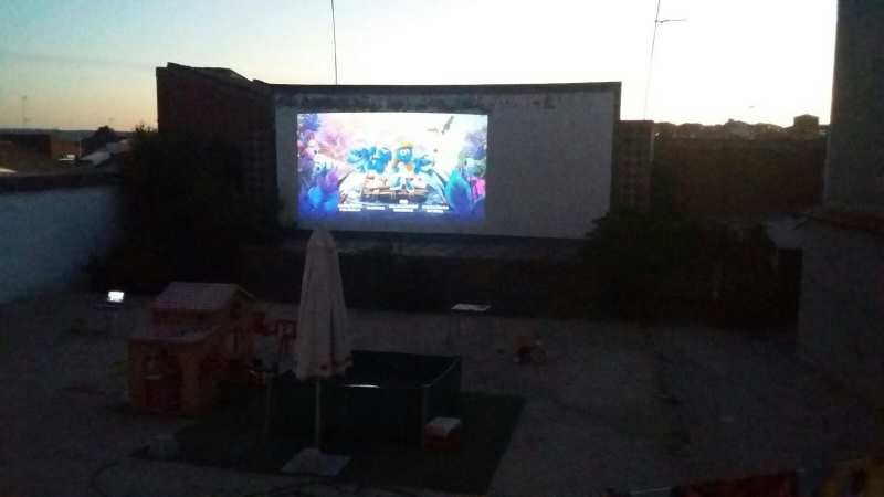 Cine el patio en el centro del universo
