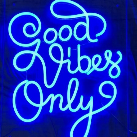 LED NEON SKILT - Good Vibes Only