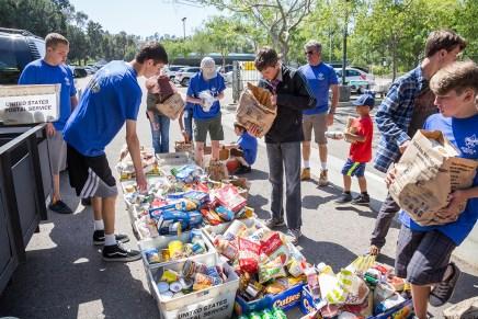 CRC_Food_Drive_Community_Encinitas_2017_Carlsbad_Photo_1