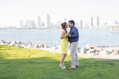 Engagement-Photosession-Engaged-Couple-Coronado-Island-Centennial-Park-SanDiego-Wedding-Photographer_2