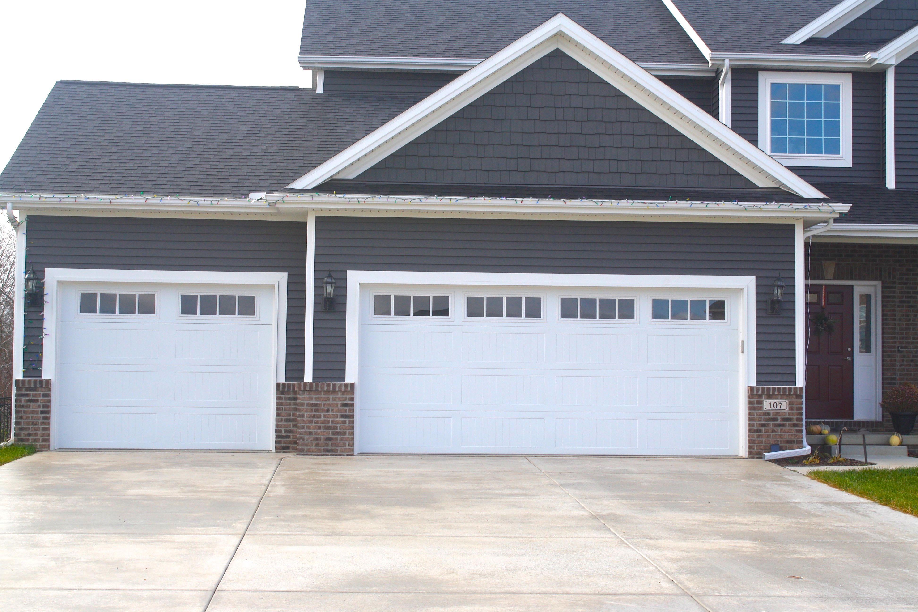 long-panel-carriage-style-white-garage-door-in-downs-il ... on Garage Door Colors  id=93787