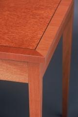 <h5>Desk</h5>