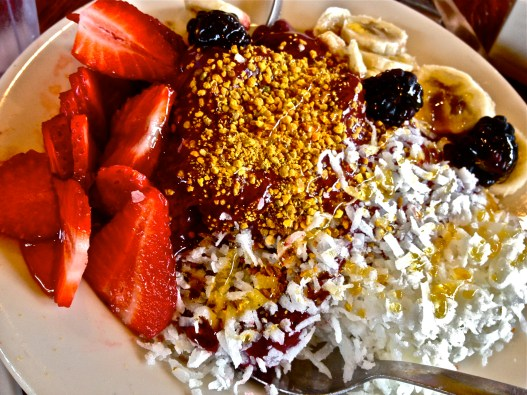 #2 Acai Bowl-Swami's Style: Coconut shavings, bee pollen & drizzled honey