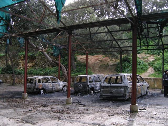 burnt-cars-at-buskett-034.jpg