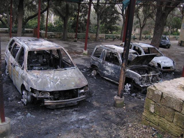 burnt-cars-at-buskett-038.jpg