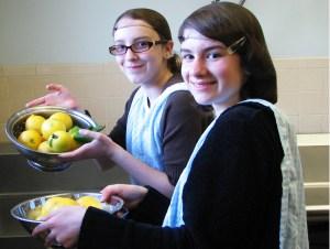 Decor Carmeli Kitchen Volunteers