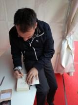 Sebastian signiert <3