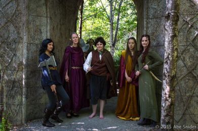 Elves & Hobbits & Dwarves & Gandalf & an Orc... oh my! ¦ Photo © AbeSnider.com