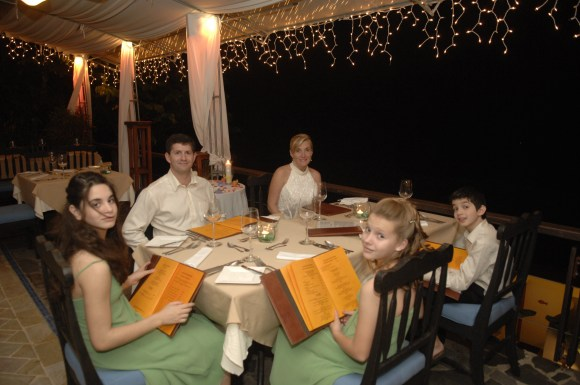 Wedding Dinner at Si Como No Restaurant