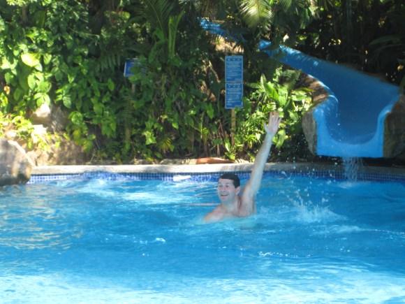 Si Como No Pool Slide