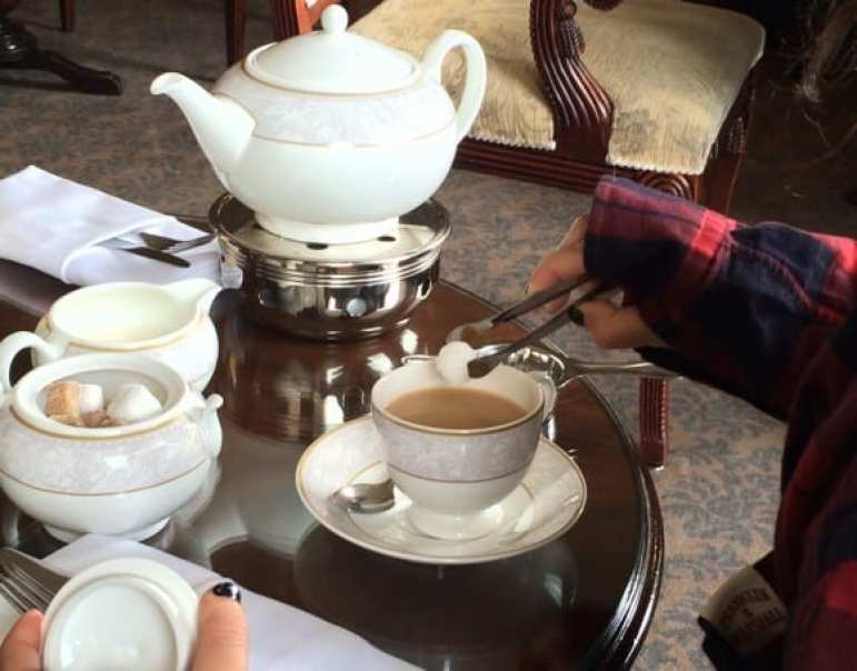 The Shelbourne Dublin, A Renaissance Hotel - Lord Mayor Lounge Tea Time