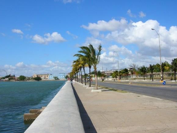 Cienfuegos Malecon, Cuba (Photo Credit: paoloanselmino)