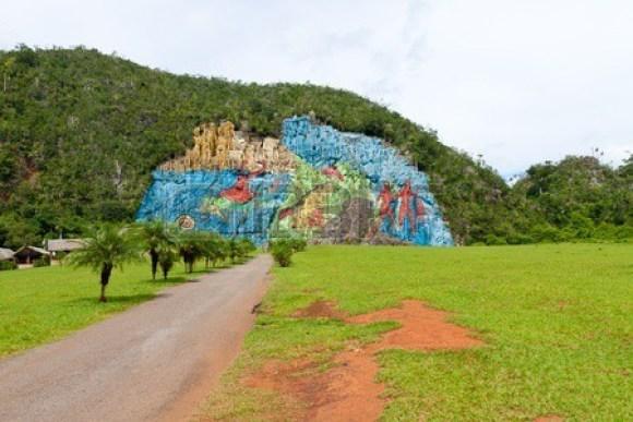 Mural of Prehistory (Photo Credit: Karel Miragaya)