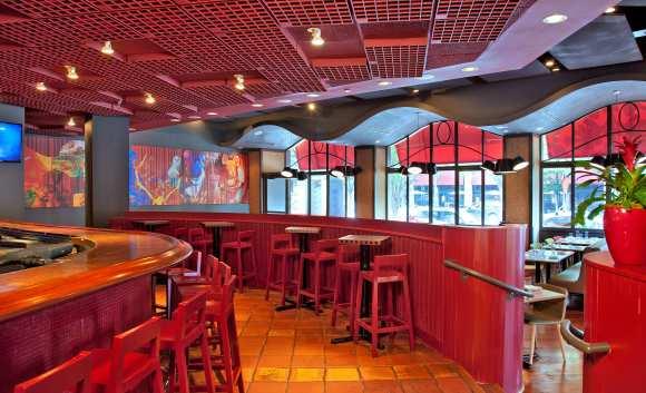 Jaleo Bethesda Bar Area (Photo: Ken Wyner)
