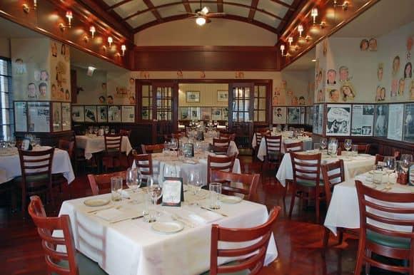 The Palm Restaurant Dining Area - Swissotel Chicago (Image: Swissotel)