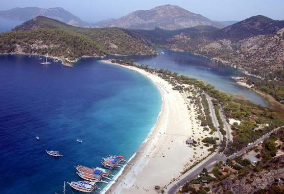 Blue Lagoon, Oludeniz photo by Graham Currey under the Creative Commons License