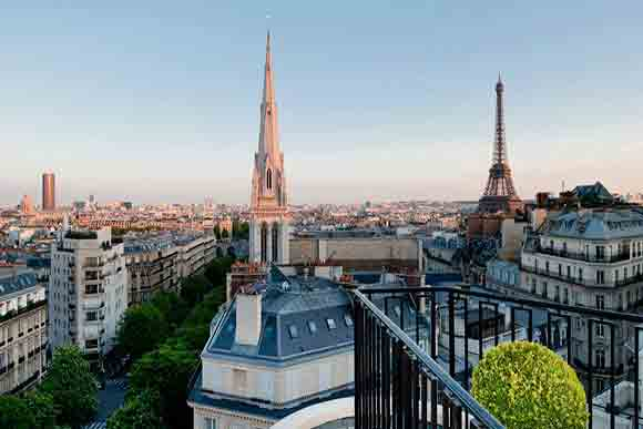 View from the Presidential Suite - Four Seasons George V (Image Four Seasons)