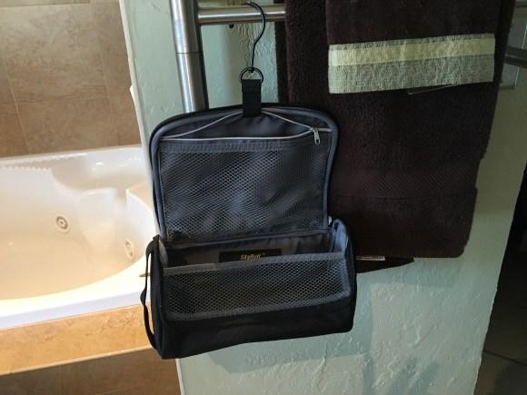 SkyRoll Toiletry Kit