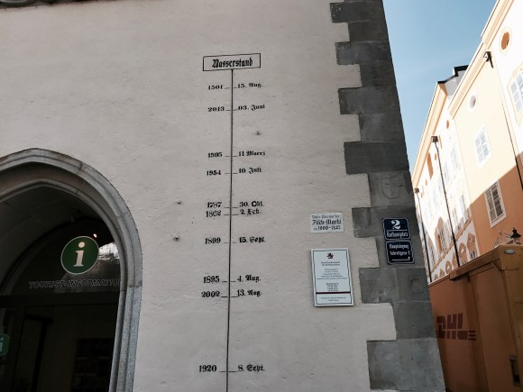 Water Flood Markers in Passau