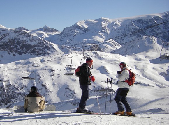 Courchevel Skiers - Photo by Skier under the CC License