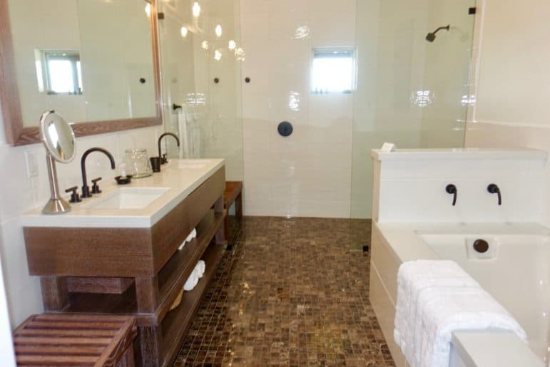 The Residence of Comstock Wine EnSuite Bathroom- Sonoma Country - Image Carmen's Luxury Travel