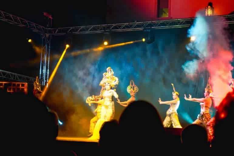 Azamara Club Cruise Entertainment Shows