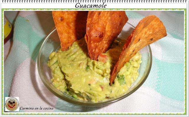 Guacamole y tacos dorados
