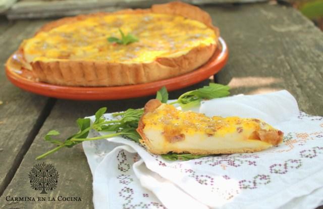 Tarta de queso con foie, jamón y mermelada de higos