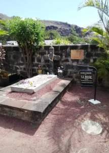 corsaires- flibustiers-aventuriers-Pierre tombale d'Olivier Levasseur dit la Buse