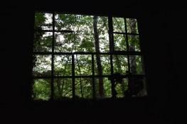 Je crois que les fenêtres sont cassés