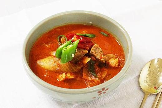 Kimchi jjigae (ragoût de kimchi): Plat principal coréen
