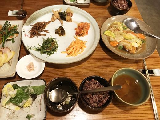 Restaurant 'Hangeongsik': Bapjitgo teawoorim