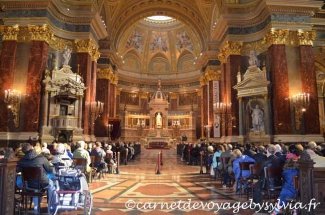 messe à la basilique st Etienne