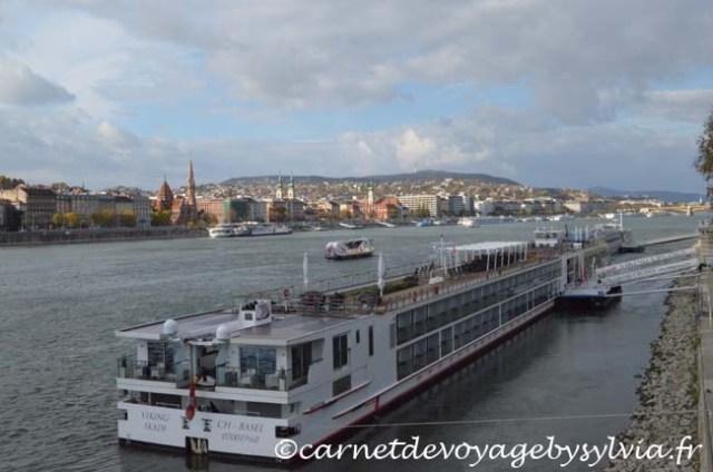 pont des chaînes Budapest - vue sur le Danube