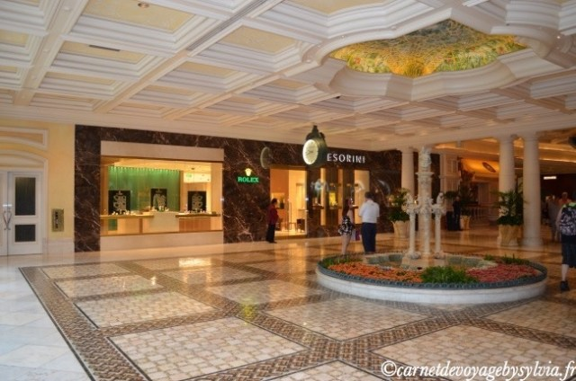 Boutique de Luxe : Rolex...