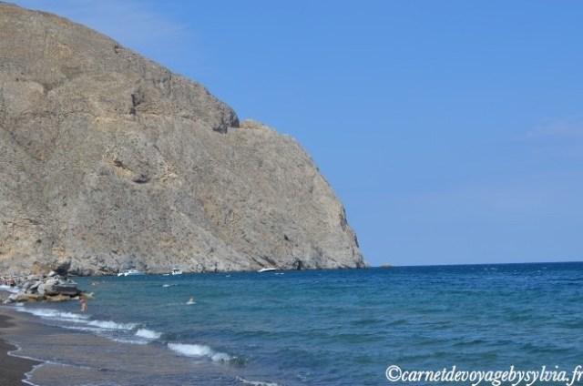 Santorin-plage de Perissa - cyclades