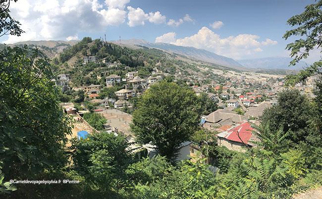 Albanie gyrokaster