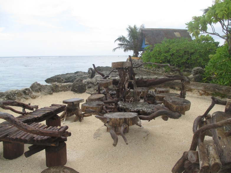 Petite île du lagoonarium- Mobilier artisanal - Moorea