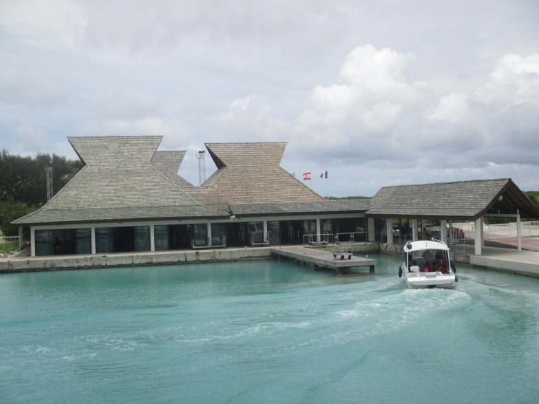 L'aéroport de Bora Bora