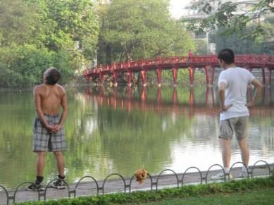 matin face au lac Hoan Kiêm