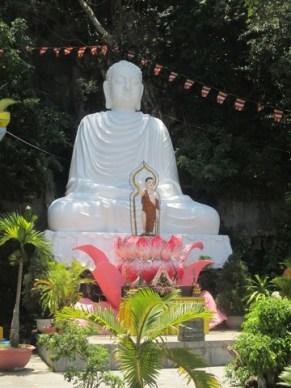 Bouddha en marbre montagne de marbre