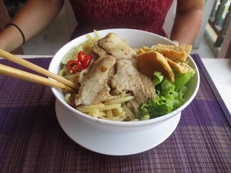 Cau Lau restaurant enjoy Hoi An