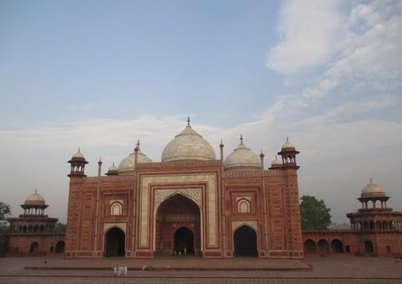 Mosquée à l'Ouest du Taj Mahal