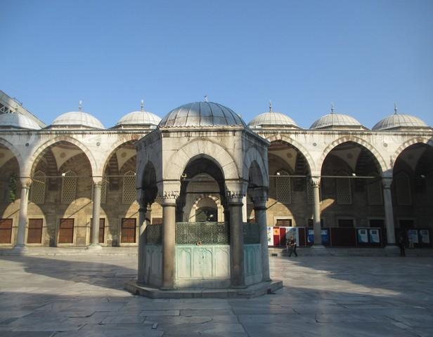 cour de la mosquée bleue Istanbul