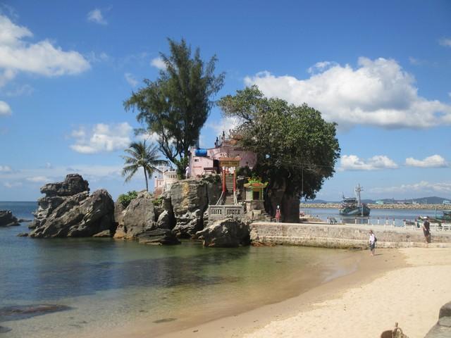 Temple Ding Cau Phu Quoc
